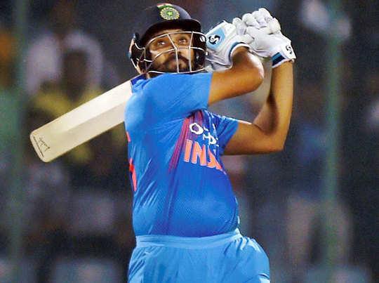 रोहित शर्मा ने टी-20 करियर की चौथी सेंचुरी लगाई है।