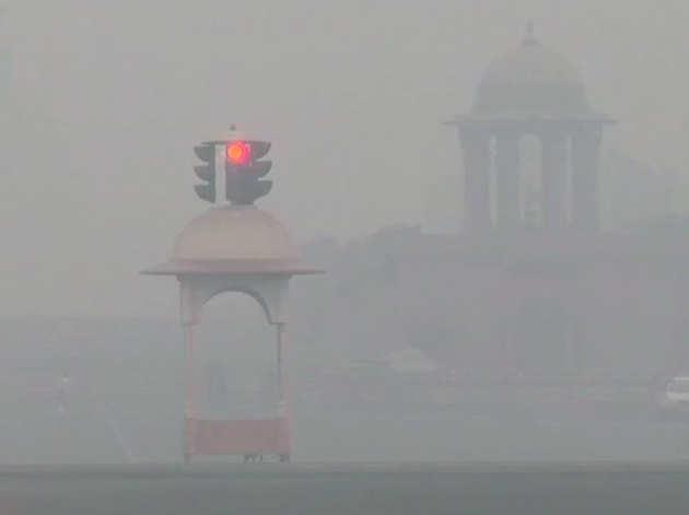 दिल्ली के साउथ ब्लॉक इलाके में गुरुवार सुबह का नजारा