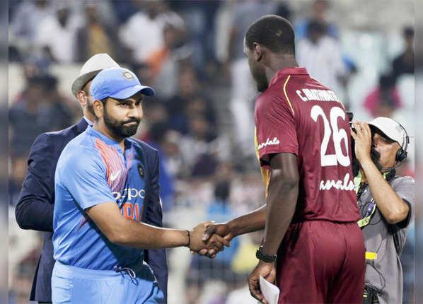 विंडीज टीम ने टॉस जीत चुनी बल्लेबाजी
