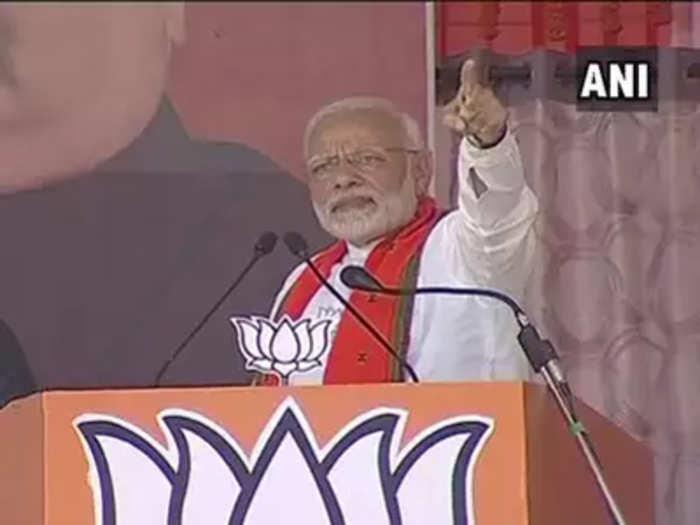 Chhattisgarh: नोटाबंदीमुळं मायलेकाला जामिनावर फिरावं लागतंय: मोदी