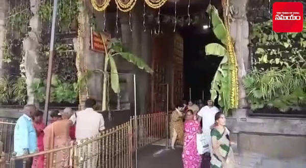 isro chairmen visits srikalahasteeswara temple