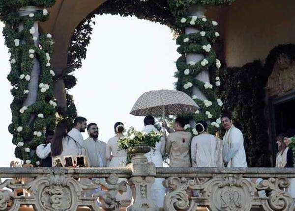 शादी का रॉयल लुक