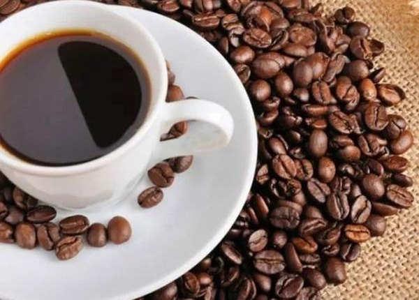 कॉफी पिएं