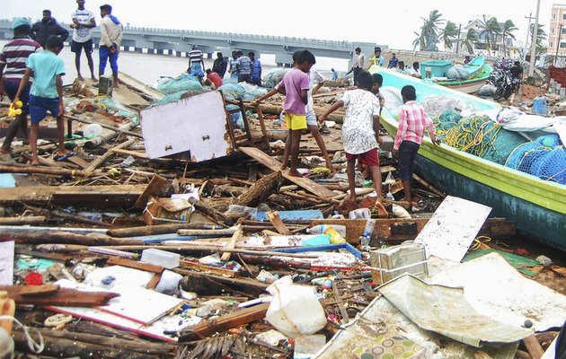 तमिलनाडु में 'गाजा' का कहर: NDRF ने नागापट्टिनम में सफाई अभियान चलाया