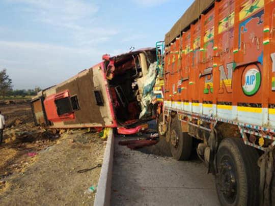 अपघातवार! हुबळीत मुंबईचे सहा ठार, शहापुरात चौघांना चिरडलं