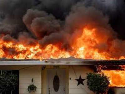 कैलिफॉर्निया में लगी आग से 1,000 लापता, 8 की मौत
