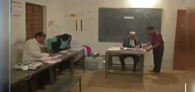 छत्तीसगढ़ विधानसभा चुनाव: 72 सीटों पर दूसरे चरण का मतदान शुरू