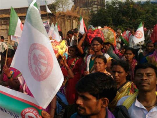 Maharashtra Farmers Protest: मोर्चासाठी कर्ज काढून मुंबईत!