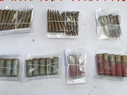पिंपरी: महिलेला सापडली ४३ जिवंत काडतुसे