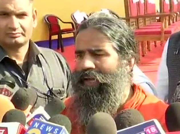 बाबा रामदेव ने कहा कि देश में राम का विरोधी कोई नहीं है।