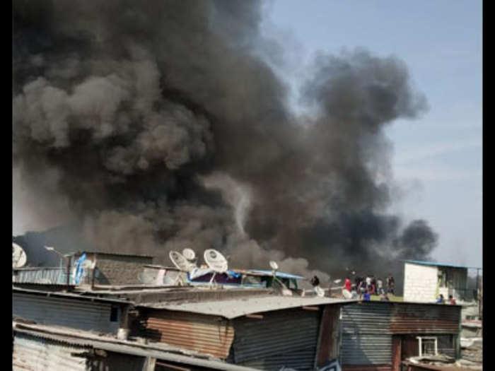 Fire at Patil Estate in pune: पुण्यातील पाटील इस्टेट परिसरात आग; २०० झोपड्या खाक