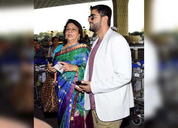शादी के बाद मुंबई दिल्ली में रिसेप्शन