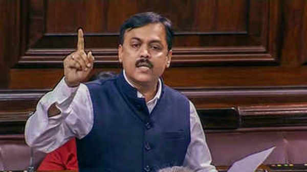 gvl narasimha rao lodges complaint against tdp mps to ethics committee