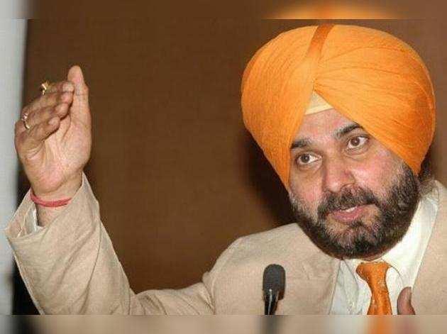 पाकिस्तान में नवजोत सिंह सिद्धू के खालिस्तान समर्थक गोपाल चावला के साथ दिखने पर उठा विवाद