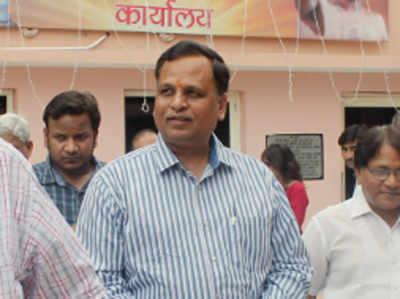 गृह मंत्रालय ने दिल्ली के मंत्री सत्येंद्र जैन पर आय से अधिक संपत्ति मामले में मुकदमा चलाने की मंजूरी दी