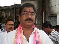 kaveti sammaiah resigned to trs while kcr attends trs meeting