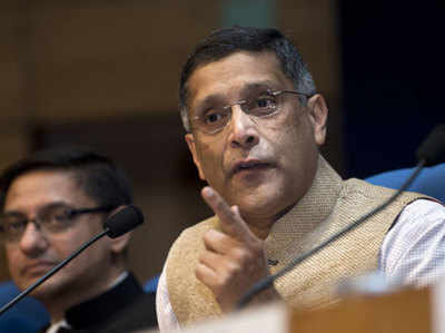 अरविंद सुब्रमण्यन ने नोटबंदी पर चुप्पी तोड़ी
