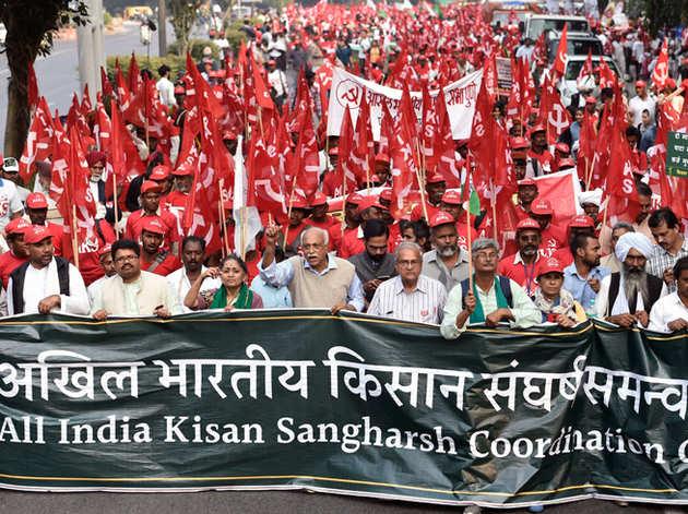 हजारों की तादाद में दिल्ली पहुंचे किसान