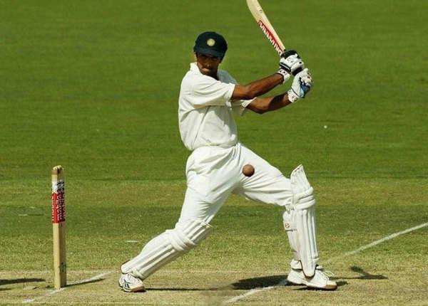 2003-04 एडिलेड: द्रविड़ का दोहरा शतक, भारत जीता