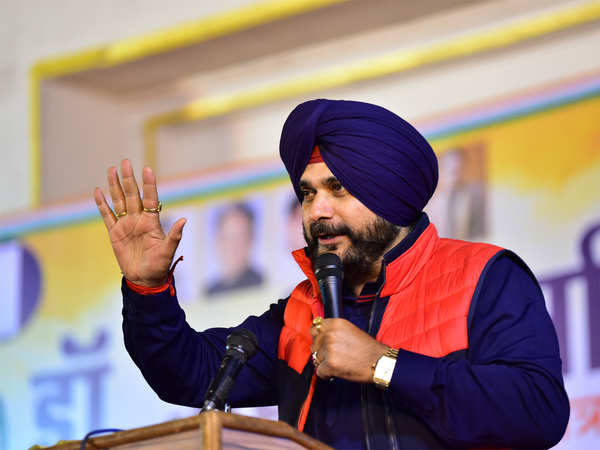 amarinder a fatherly figure love him respect him will sort out myself says navjot sidhu