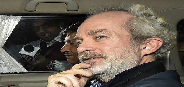 अगुस्टा वेस्टलैंड घोटाला: बिचौलिए क्रिस्चन मिशेल से पूछताछ में सामने आ सकते हैं कई बड़े नेताओं, अफसरों के नाम