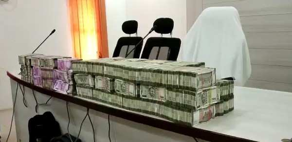 telangana polls over rs 3 crore seized in cash during vehicle checks