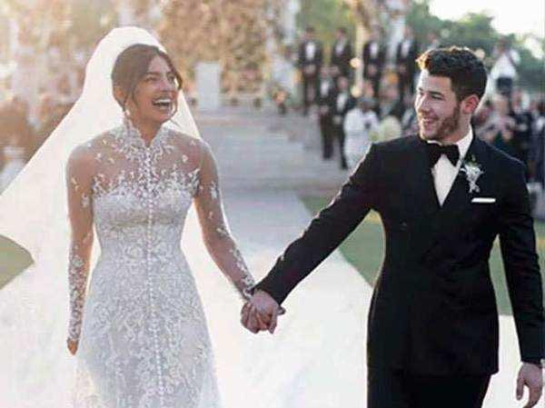 प्रियंका निक की शादी की तस्वीरों का इंतजार खत्म