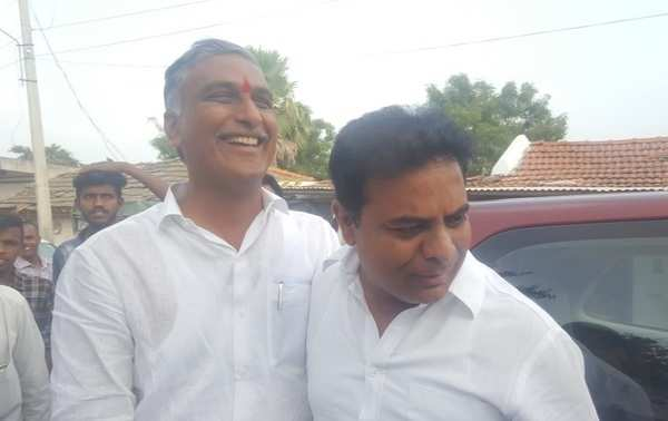 watch cousins ktr harish rao heartful talk on busy polling day