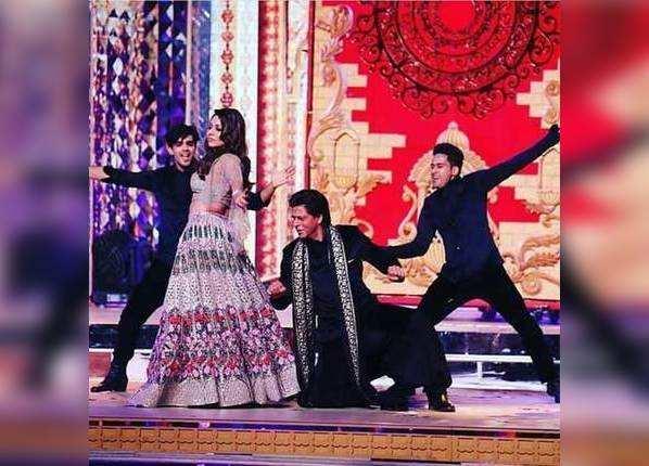 ईशा के संगीत में शाहरुख-गौरी की परफॉर्मेंस