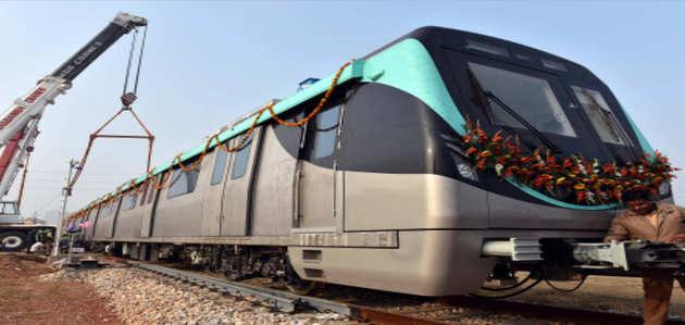 उद्घाटन से पहले नोएडा-ग्रेटर नोएडा मेट्रो लाइन की सुरक्षा जांच