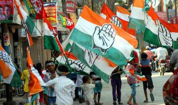 madhya pradesh polls congress clearly ahead with 114 seats sp talks of aligning
