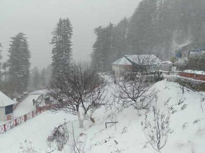 शिमला में सीजन की पहली बर्फबारी