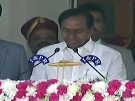 K Chandrasekhar Rao: राव यांनी घेतली मुख्यमंत्रिपदाची शपथ