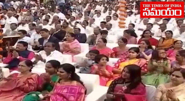 watch kcr takes oath as telangana cm for second time
