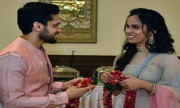 saina nehwal and parupalli kashyap exchange rings