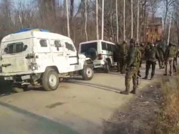 सुरक्षाबलों ने तीन आतंकियों को मार गिराया