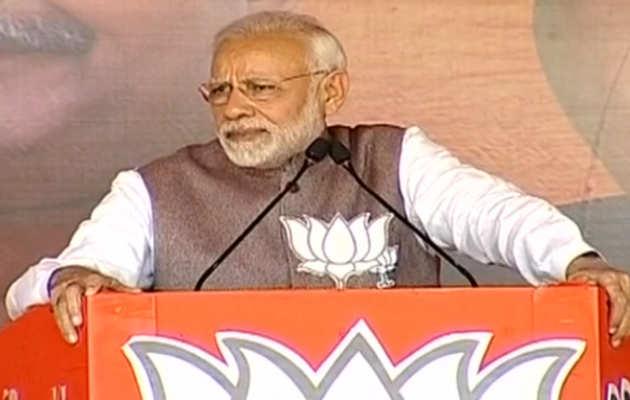 राफेल पर क्लीन चिट मिलने के एक दिन बाद, पीएम नरेंद्र मोदी ने गिनाए कांग्रेस के रक्षा घोटाले