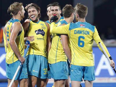 जीत का जश्न मनाती ऑस्ट्रेलियाई हॉकी टीम