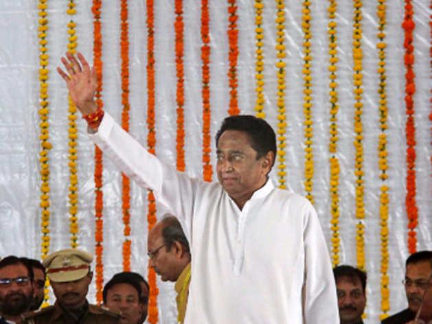 मध्य प्रदेश: CM बनते ही कमलनाथ ने किसानों की कर्जमाफी की फाइल पर किए दस्तखत