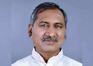 bjp attacks cogress and kamalnath over farmers loan waiver scheme in madhya pradesh