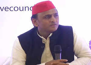 akhilesh yadav angry over mp cm kamal naths statement related to mp jobs taken by north indians