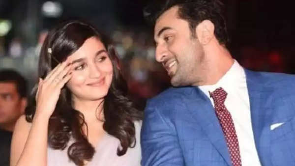 marriage on cards ranbir kapoor adds alia bhatt to his family whatsapp group