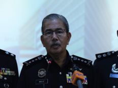 malaysian police arrested illegally staying indians in kulampumpur