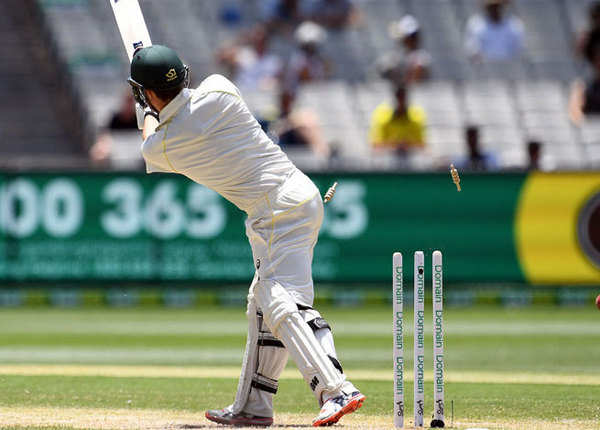 दूसरे सत्र में कंगारुओं ने जोड़े 49 रन गंवाए 3 विकेट