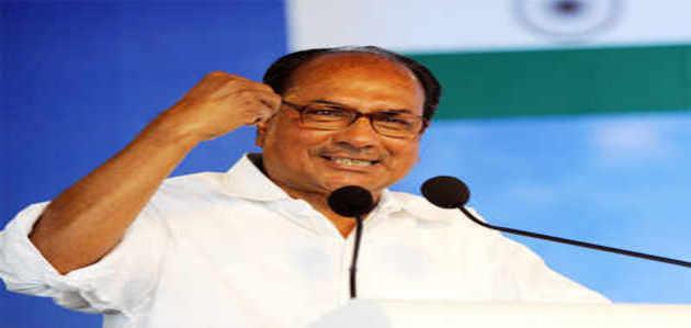 अगुस्टा: राहुल, सोनिया के बचाव में उतरे पूर्व रक्षा मंत्री एंटनी