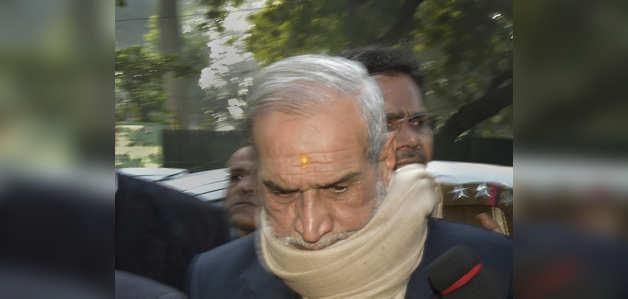 1984 दंगा: सज्जन कुमार ने दिल्ली कोर्ट में किया सरेंडर, भेजे गए मंडोली जेल