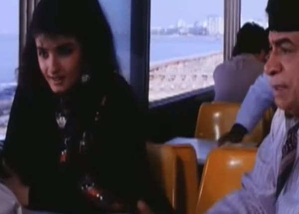आतिश फिल्म में कादर खान
