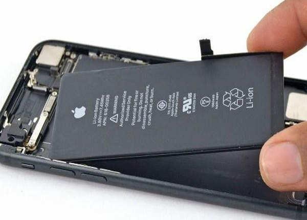 फोन में लोकल या ड्युप्लिकेट बैटरी न करें यूज