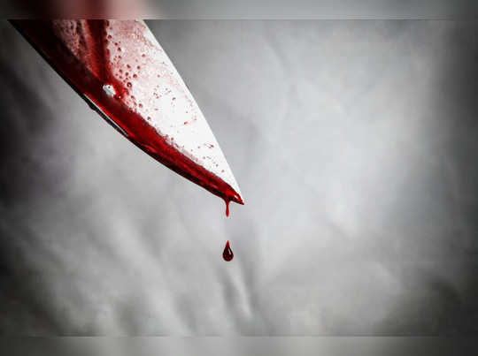 knife-smeared-with-blood