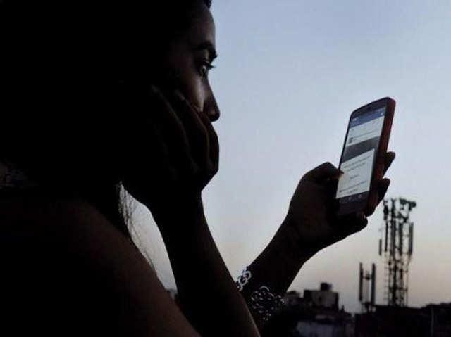 4G नेटवर्क होने के बाद भी है फोन स्लो तो करें यह सेटिंग